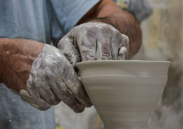 yazd white clay - سفالگری در یزد