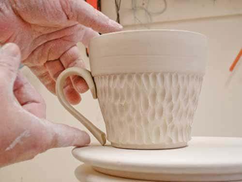 cup handle - چگونه یک دسته برای فنجان سفالی بسازیم؟