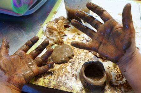 children pottery - آموزش سفالگری به کودکان پیش دبستانی