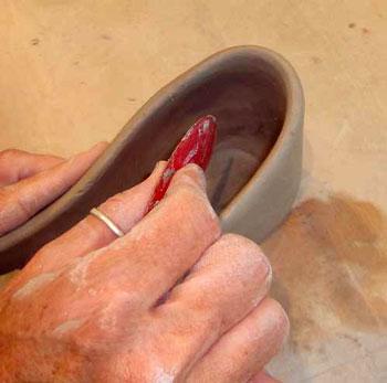 مراحل ساخت کفش با گل رس