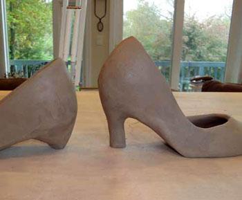 شیوه ساخت کفش با گل رس