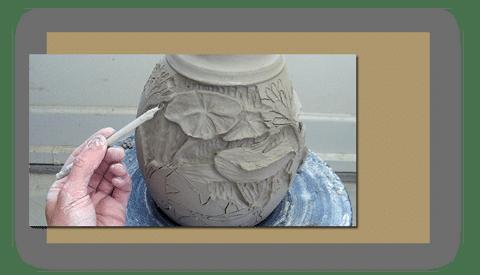 honar sofalgari - چطور طرح های نقش برجسته را روی گل خیس کنده کاری کنیم ؟